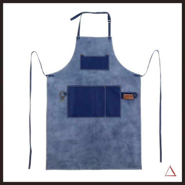 🛍 Grembiule mod. CORMORANO in pelle naturale, morbida. Vestibilità ampia e comoda. Lacci e collo in pelle. Cuciture artigianali con filo grosso.  ••••••••••••••••••••• 🛍 Apron mod. CORMORANO in natural, soft leather. Loose and comfortable fit. Leather laces and collar. Handcrafted stitching with thick thread.  Per informazioni: 📞 +39 3283445545 📧 info@borderlinedelta.com Www.borderlinedelta.com   #borderlinedelta #grembiulipelle #horecadesign #fattoamanoinitalia #apronstyles #leatheraprons #grembiulipersonalizzati #customapron #loveaprons #greyapron #brownapron #bbq #grill #barbiere #pub #vintageapron #vintagestyle #handmade #madeinitaly🇮🇹 #bartenders #bartenderstyle #horeca #horecadesign #bar #chef #cantine